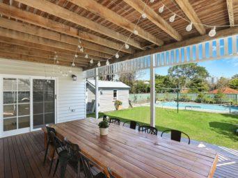 rectangular-brown-wooden-table-2775312